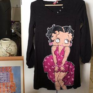 Betty Boop sleep shirt